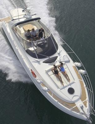 Motorbåtar över 45 fot