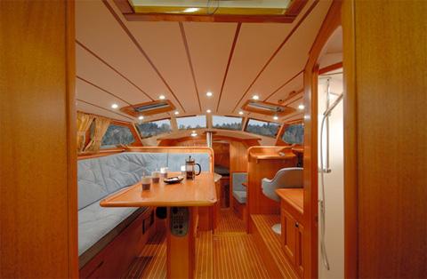 Bilden är hämtad från CR Yachts hemsida